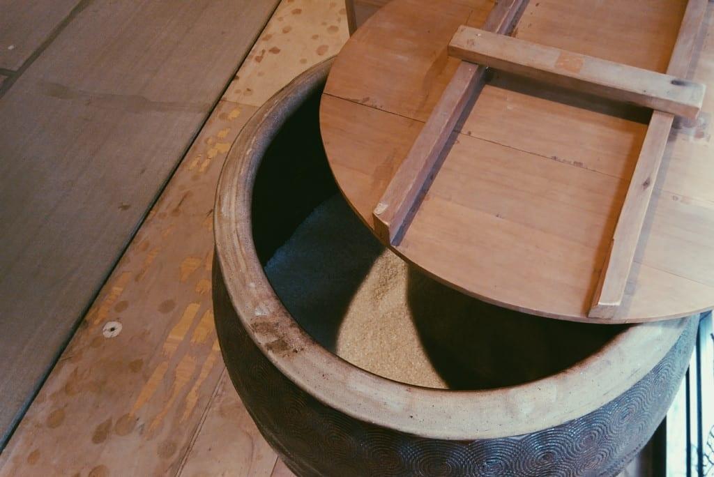 taiwan rice urn
